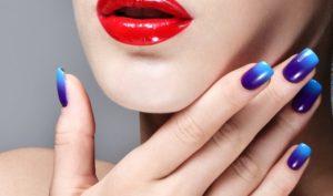 HIT jesieni – niebieskie paznokcie