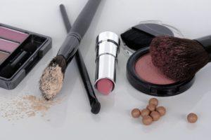 Które kosmetyki z Ameryki warto mieć w swojej kosmetyczce?