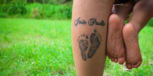 Tatuaż dla mamy na uczczenie narodzin dziecka
