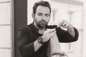 Maciej Maniewski – wirtuoz fryzjerstwa