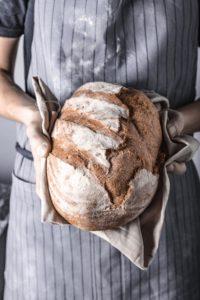 Jak upiec chleb w domu? 10 rad!